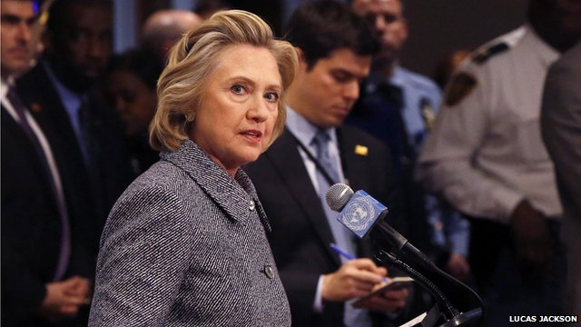 clinton defended her email