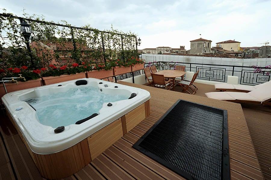 Posso mettere una piscina sul terrazzo di casa