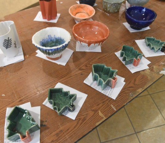Christmas Art Sale as a Kappa Pi fundraiser to support the awards for the Annual Student Art Exhibition in the spring at Belmont University in Nashville, Tenn. November 15, 2017.