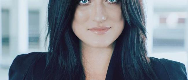 Anna Weisband headshot