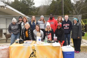 Belmont students volunteer at tails of the trail at Belmont University Nashville, Tennessee, March 7, 2018.