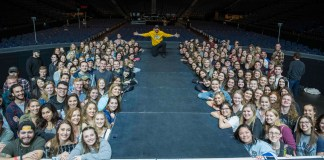 Brad Paisley and Curb College Students