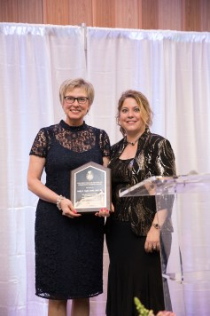 Taylor receives the Community Nursing Award at a Gala held in Memphis