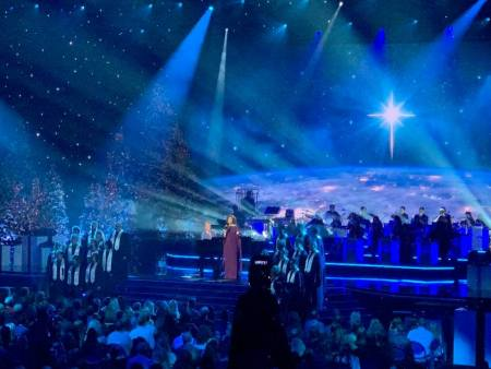 Amy Grant and Michael W. Smith on stage at 'CMA Country Christmas'