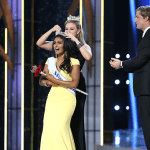 Nina Davuluri being crowned Miss America 2014