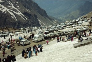 Tourist Vehicles at Rohtang Pass