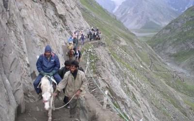 Pilgrims riding Steep Valley during Amarnath Yatra
