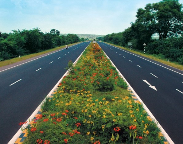 Two lane Road of NH 30 connecting Patna and Bakhtiyarpur
