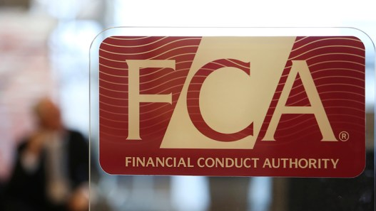 Reports Claim UK's Financial Conduct Authority 'Pressurized' to Remove Onecoin Scam Warning