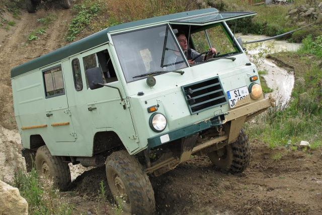 Off-roading with Volvo: The L3314 and C303