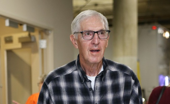 Former Jazz Coach Jerry Sloan Is Dying From Parkinson S