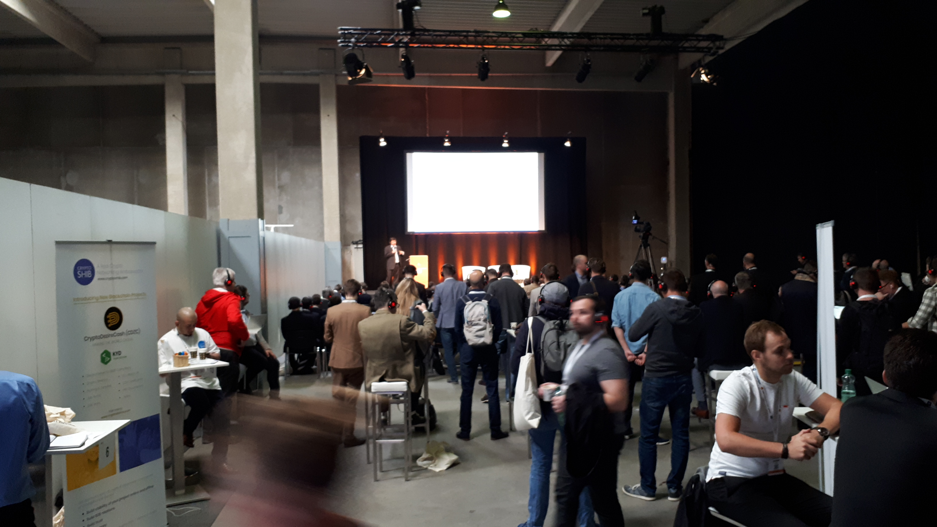 Summary of The First Day ANON Blockchain Summit Vienna Exhibition Impressions
