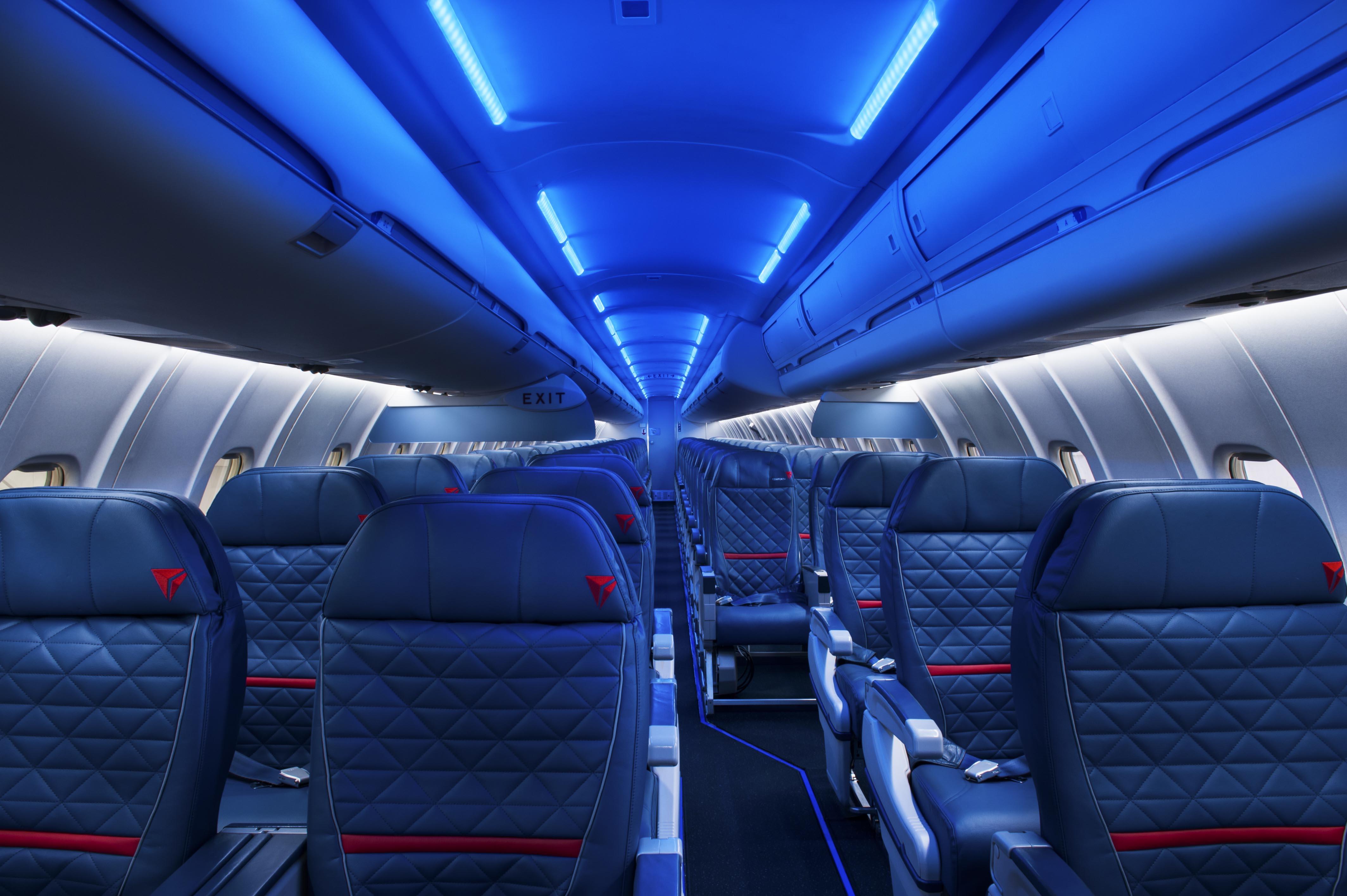 Challenger 890 Interior