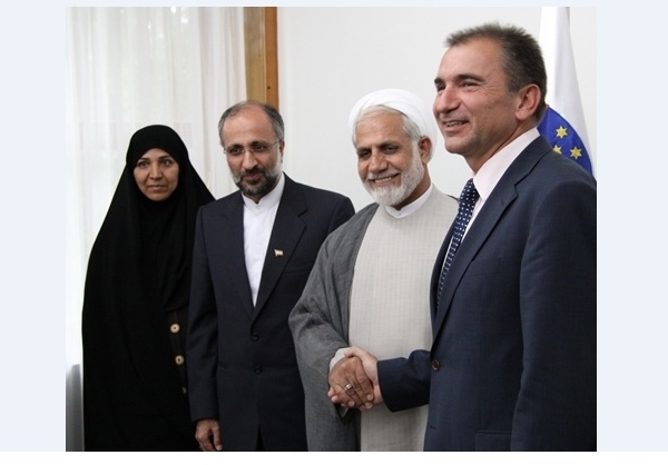 السفير الإيراني السابق في سلوفينيا محمد رحيم اقايي