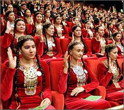 Turkmenistán: universidades estrictas de alta seguridad