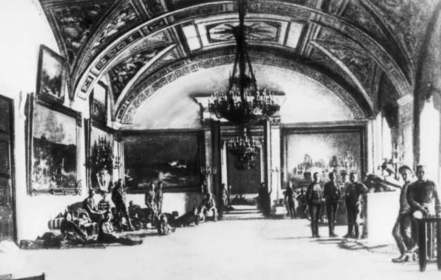 Geçici Hükümet'in karargahı Kışlık Saray'daydı