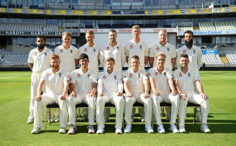 Image of James Anderson in England squad photo in 2018