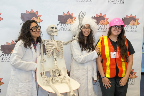 Women In Stem Inspire Young Latinas Pursue