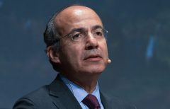 Choice between development and nature a false dilemma, says Felipe Calderon