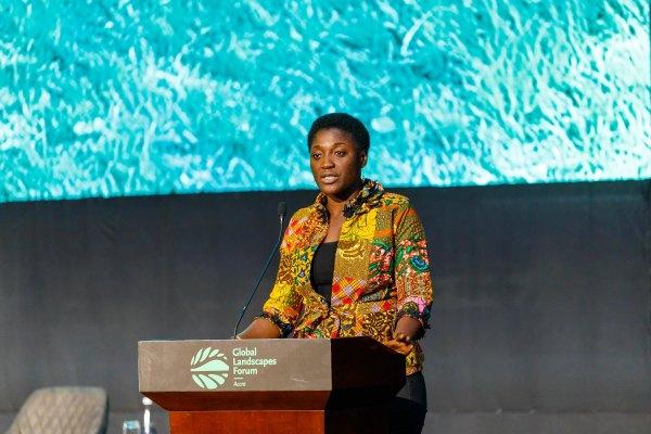 Bernice Dapaah, executive director of Ghana Bamboo Bikes, gives an inspirational talk at the Global Landscapes Forum Accra 2019. Musah Botchway, Global Landscapes Forum
