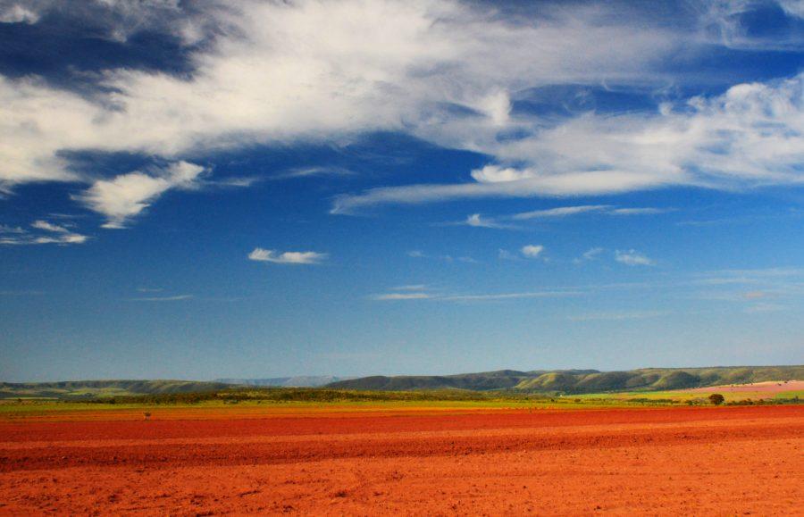 An agricultural landscape in the Cerrado. Carlos Ebert, Flickr