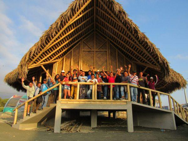 El bambú se puede utilizar para reemplazar la madera, el acero y otros materiales. Foto cortesía de INBAR