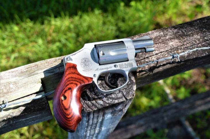 Summer Carry: 22 Years Toting the Same S&W  38 Snub - Gun