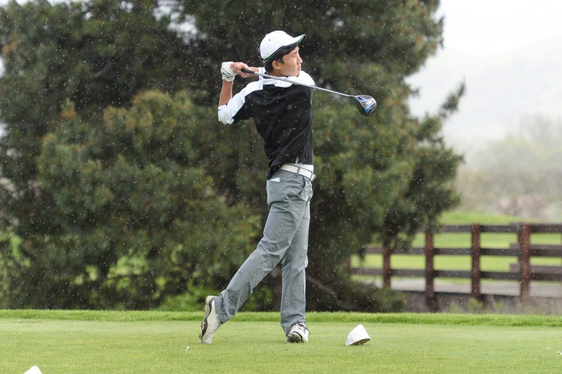 Boys golf continues its winning ways; runners and swimmers push school records