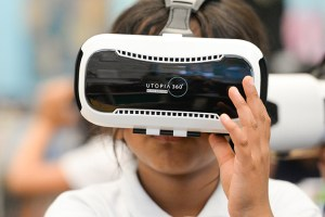 Lower school students introduce VR technology; make virtual trek to Japan