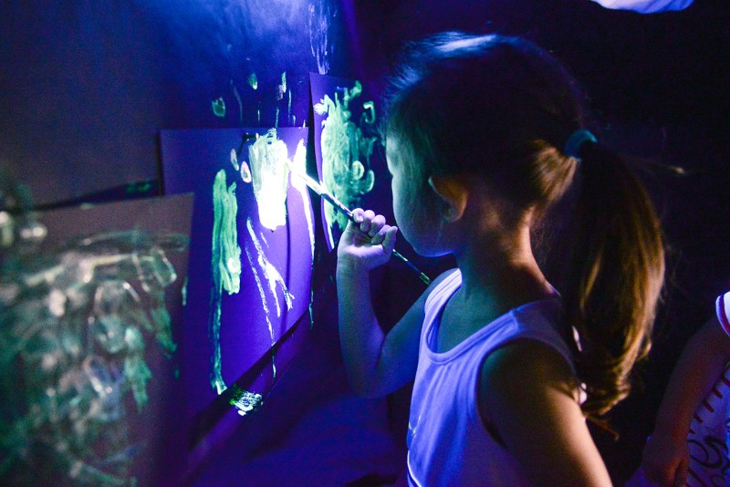 Preschoolers discover cave art, add their own