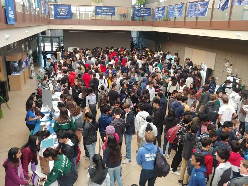 Upper school students explore ways to serve community at Service Fair