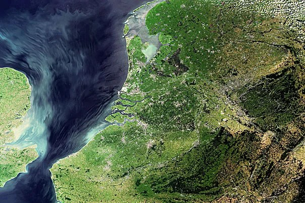 One task given to Dutch ESA astronaut André Kuipers during the recent DELTA Mission was to take a photo of The Netherlands. The result is this photo, on which the Dutch coastline and the Wadden Islands can be clearly seen, as well as the Afsluitdijk, the 32 km dam between the Zuiderzee and the Ijsselmeer to the north of the country. The distinctive string of Wadden Islands was one of the first views Kuipers saw from the Soyuz capsule during the journey to the International Space Station on April 19, 2004.