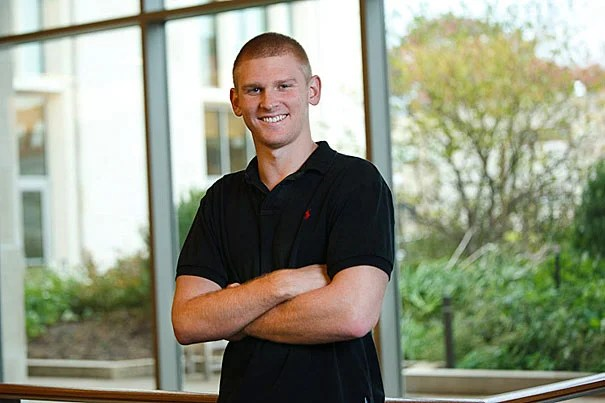 Harvard Law School student Jesse Reising was medically disqualified from the Marines (he'd attended Officer Candidates School during college), but decided to serve those who serve in the military.