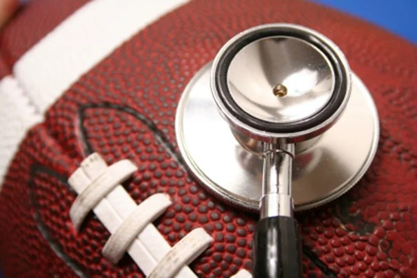 """Harvard Medical School has been awarded a $100 million grant from the National Football League Players Association to create a 10-year initiative for the study of injuries. """"Our goal is to transform the health of these athletes,"""" said Lee Nadler, HMS dean for clinical and translational research."""