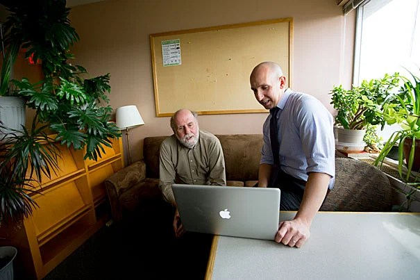 "Ironically, while online classes have exploded in popularity in the past few years, there remains ""shockingly little"" hard scientific data about how students learn in the virtual classroom, said   Harvard Psychology Professor Daniel Schacter (left). Schacter and postdoctoral fellow Karl Szpunar's research on effective online learning will be published this week in the Proceedings of the National Academy of Sciences."