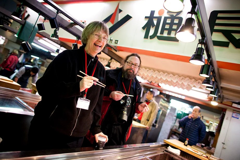 Drew Faust visits Tsukiji Fish Market