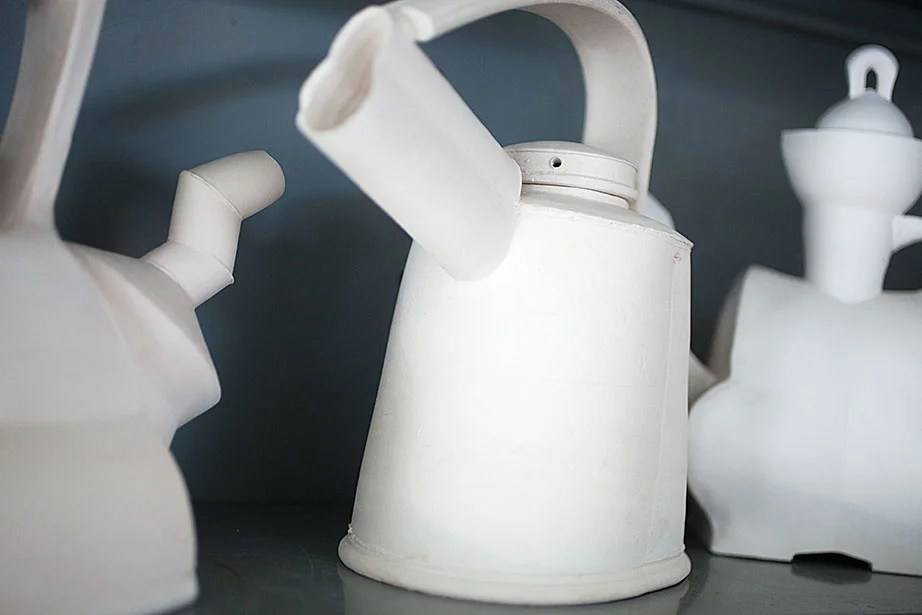 Another kettle, in stark white.