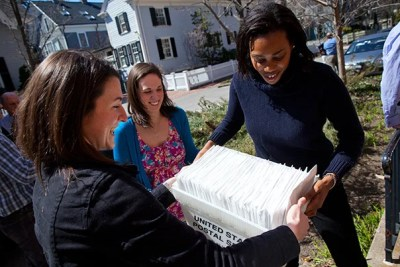 """Precious Eboigbe '07 (right), now a second-year law student at Boston College, said that with the Harvard Financial Aid Initiative, """"I was definitely less concerned about money."""" Eboigbe spent three years as an HFAI student coordinator whose job, in part, included mailing the letters of admission."""