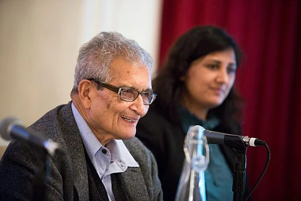 """The """"slow-burning genocide"""" of Burma's Rohingya, a Muslim minority, was the focus of Harvard scholars and Burmese activists gathered at Loeb House this week. Professor Amartya Sen (left) said that it's important that the international community pressure the government to change its official policy and restore citizenship to the group."""