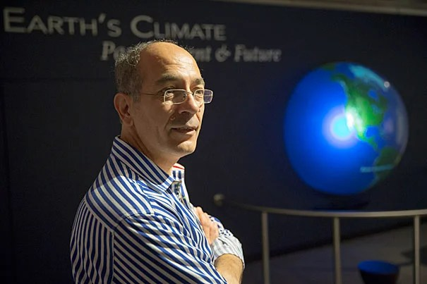 "Professor of Geophysics Jerry Mitrovica's recent talk, ""Ancient Eclipses, Roman Fish Tanks, and the Enigma of Global Sea Level Rise,"" examined the dynamics of sea level rise and debunked the arguments of climate-change deniers."