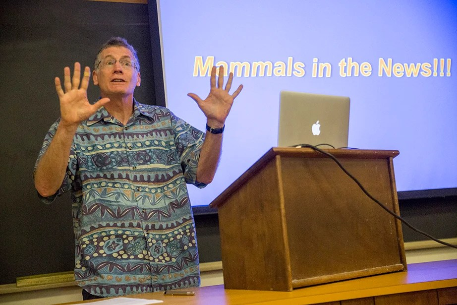 """Jonathan Losos, the Monique and Philip Lehner Professor for the Study of Latin America and curator in herpetology at the Museum of Comparative Zoology, delivers an animated lecture on """"Biology of Mammals: Organismic and Evolutionary Biology."""" Jon Chase/Harvard Staff Photographer"""