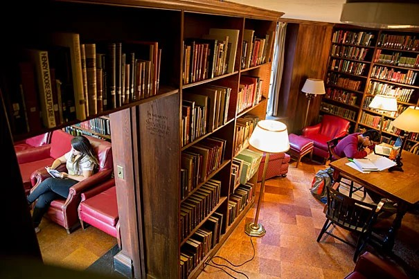 A look inside undergraduate house libraries harvard gazette - Building a home library ...