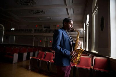 A Grammy-nominated musician who also oversees the Harvard Jazz Ensembles, Yosvany Terry hopes to elevate the value of musical tradition born in rural environments to the university setting.