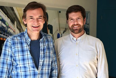 In a cross-school collaboration, Harvard researchers Steve McCarroll (left) and Kevin Eggan couple stem cell science with genetics and genomicsto advance the understanding of human brain illnesses. Their latest project identifiedmutations that stem cell lines acquire in culture.