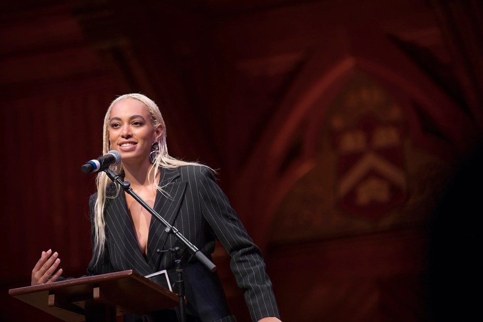 Harvard Foundation honors Solange as Artist of the Year