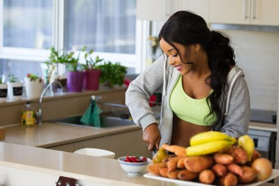 If mothers incorporate five healthy habits into their lifestyle, their children are 75 percent less likely to become obese.