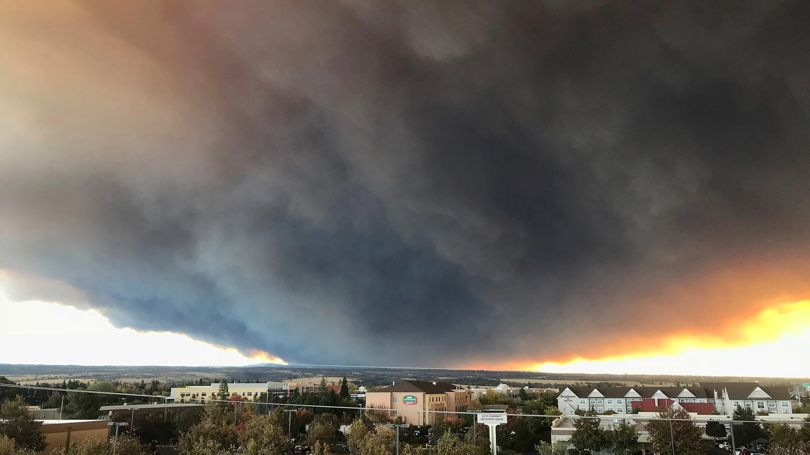 Massive plume from the Camp Fire wafts over the Sacramento Valley.