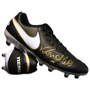 ICRNSB1-Ronaldo-Signed-Black-Nike-Tiempo-Boot