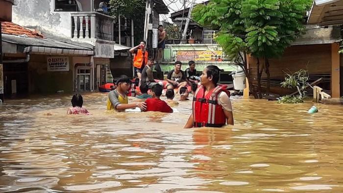Banjir Jakarta, Tiba Saatnya Salahkan Anies