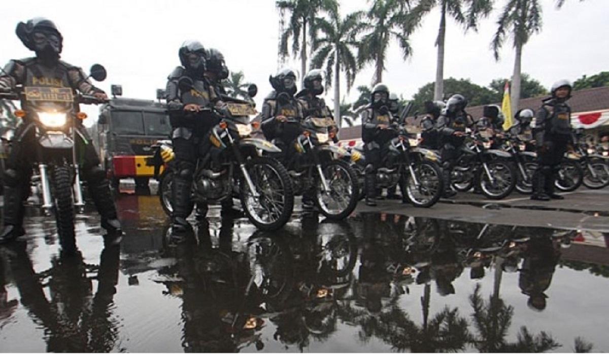Ilustrasi Petugas Pengaman Demonstrasi/unjuk rasa/ Petugas Anti Huru-hara.